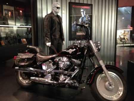 """Марка и модель мотоцикла из """"Терминатор 2: Судный День"""" - фото, песня, трек"""