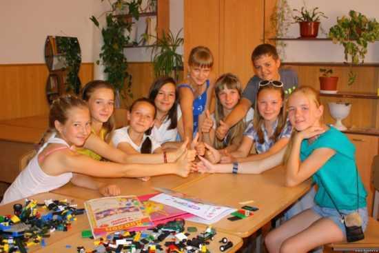Школьный лагерь - воспоминания, первая любовь, драки и дружба
