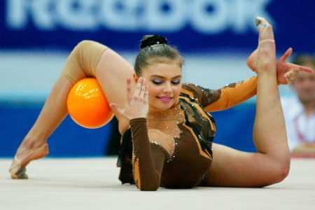 Как выглядит и чем занимается Алина Кабаева сейчас