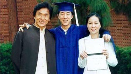 """Внебрачные и """"непутевые"""" дети Джеки Чана: все о семье знаменитого актера"""