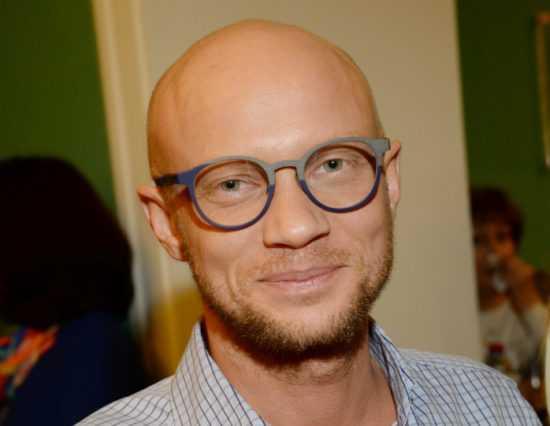 Биография, личная жизнь и творческий путь Дмитрия Хрусталева
