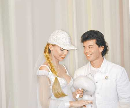 Олег Газманов и его жены, интересные факты из жизни популярного певца